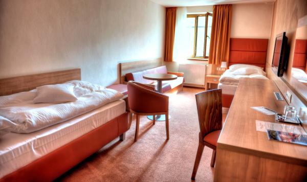 http://www.hotelclubkezmarok.sk/images/gallery/hotel/2010-09.jpg