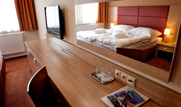 http://www.hotelclubkezmarok.sk/images/gallery/hotel/2010-11.jpg