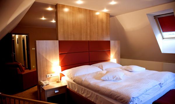 http://www.hotelclubkezmarok.sk/images/gallery/hotel/2010-14.jpg